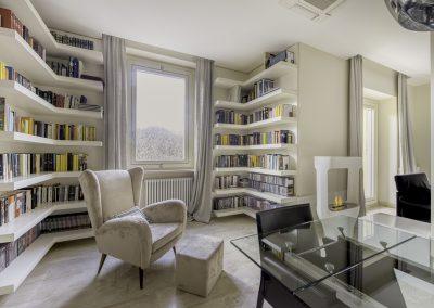 Libreria su misura-pavimentazione in marmo