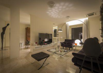 Soggiorno-pavimentazione in marmo-notturna